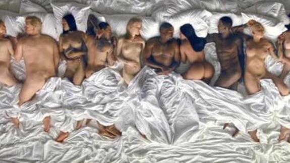 Kanye West Desnuda A Taylor Swift Donald Trump Y Otros En El Vídeo
