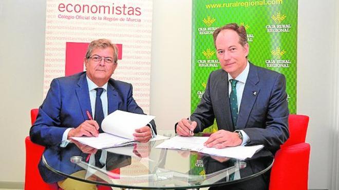 Caja Rural Regional y el Colegio de Economistas de Murcia renuevan su compromiso de financiación