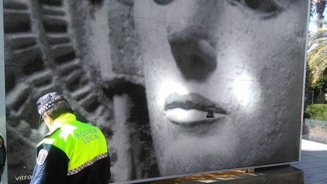 Vandalismo contra el vitromosaico de la Dama