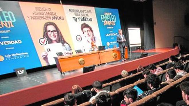 Ucomur promueve la iniciativa empresarial de los jóvenes